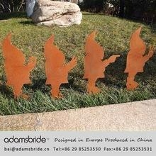 China Rust finished and aluminum anodized garden decorative dwarfs and outdoor gnomes on sale