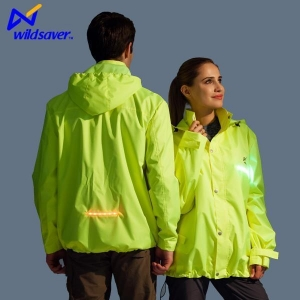 China LED Glowing Zip Up Safety Winter Sports Running Hoodies for Men and Women on sale