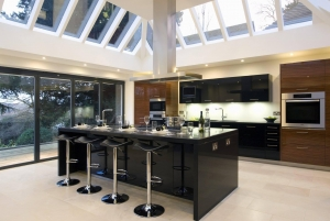 China Black Quartz material countertop from China on sale
