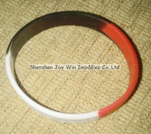 China Silicone Wristband Product name:Promotional Segment Silicone Wristband on sale