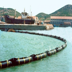 China Solid Float Rubber Oil Containment Boom on sale