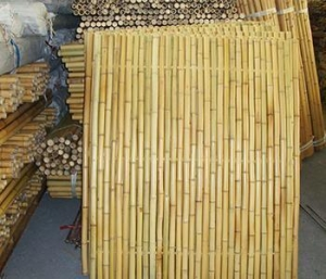 China Artificial Plastic Bamboo Fence For Garden Decoration on sale