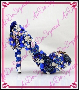 China Aidocrystal 2016 Fashion Queen style colorful style pump shoes for mature elegant ladies on sale