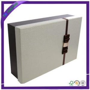 China High Quality Custom Printed Luxury Apparel Boxes on sale