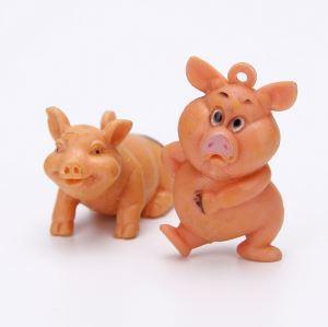 China Hot Sell PVC Plastic Cute Mini Cartoon Pig Capsule Toy on sale