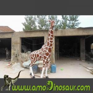 China Fibeglass animals giraffe vivid statues supplier from China on sale
