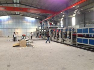 China 315KW 40TONS Aluminum Composite Panel Production Line Three Roller Compressor on sale