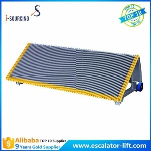 China Silver Gray Escalator step 1000mm with roller size 70*25*6204 on sale