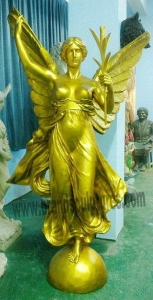 China Big Bronze Golden Figure Statue for Garden Ornament on sale