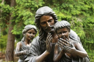 China Outdoor Bronze Figure Jesus and Child Statues for Garden Ornament on sale