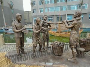 China Giant Handicraft and Realistic Bronze Garden Statues for Sale on sale