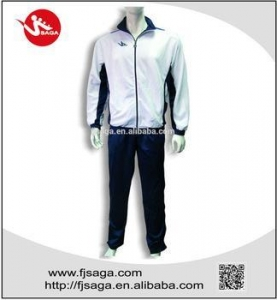 China Men's Soccer Woven Tracksuit with Mesh Lining on sale