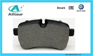 China China Automobile Parts High Quality Brake Pads For Mercedes Benz on sale