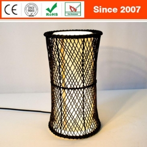 China Unique Design Black Rattan Metal Plating House Living Room Table Lamp on sale