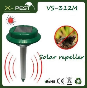 China Animal Repeller Solar Mole Repeller with LED light on sale