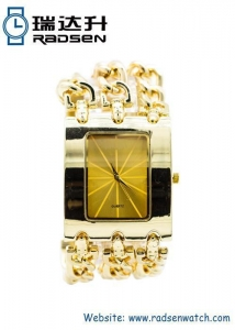 China Bangle Watches Cheap Gold Chain Women Watches with Big Face for Ladies on sale