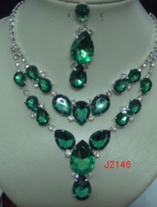 China Fashion Emerald Wedding Bridal Diamante Jewellery Set Crystal Necklace And Earring on sale