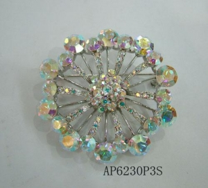 China Vintage Rhinestone Bling Crystal Flower Brooch Pin on sale