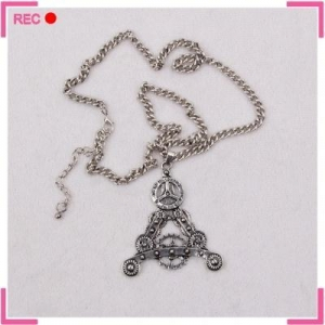China Eiffel tower necklace with gear decoration, stainless steel chain necklace on sale