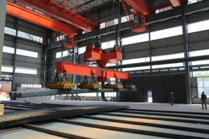 China Electric magnetic bridge crane for steel plate lifting slab on sale