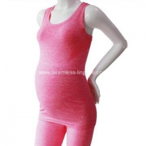 China Seamless Vest Pregnant Women Wear Sleeveless Sexy Maternity Top on sale