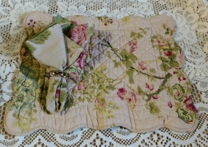 China Large Roses Quilted Placemat and Matching Napkin on sale