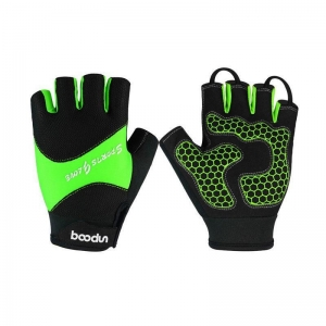 China Non Slip Resistant Sports Gloves Half Finger on sale