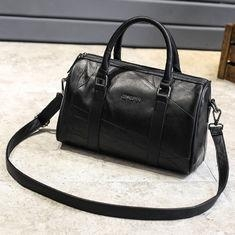 China Black Cross Body Real Soft Leather Handbags Large Capacity With Padded Nylon Lining on sale