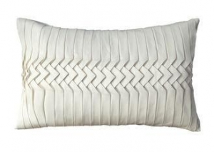 China Ivory Faux Silk Decorative Pillows For Sofa , Handmade Waist Bed Throw Pillows on sale