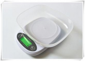 China Small Size Electronic Kitchen Scales With Green Backlit LCD Display on sale