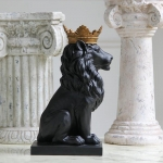 craft and craft Resin Black Lion Statue With Golden Crown