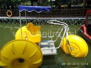 China Water tricycle hot sale two seats kids and adult amusement pa on sale
