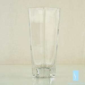 China Wholesale handicraft blown art cube shape clear acrylic glass flower vases on sale