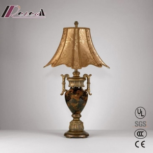 China Modern Metal Brass Classic Table Lamp for Reception Counter on sale