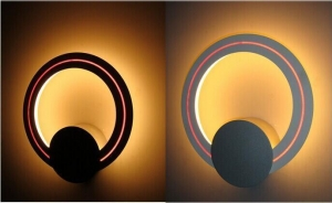 China Modern Simple Design Matt Silver Circle Glass Wall Lamp with Self Mold on sale