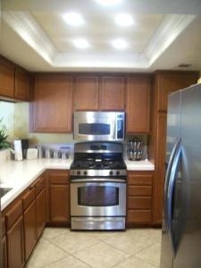 China Fluorescent Lighting Kitchen Fluorescent Light Fixtures on sale