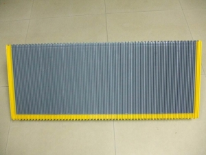 China Step & other escalator parts OTIS Step With Three Side Demarcation on sale