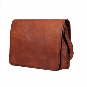 China Vintage Crossbody Leather Laptop Bag on sale