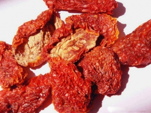China sun dried tomato halves on sale