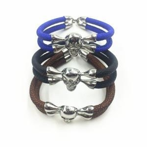 China Silver Skull Head Charm Mens Stingray Leather Bracelet on sale