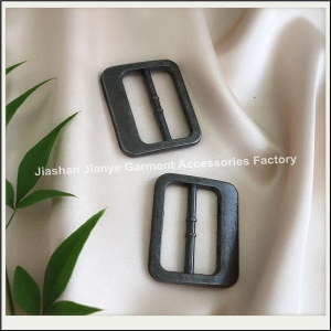 China Fashion accessories adjustable black alloy square belt buckles on sale