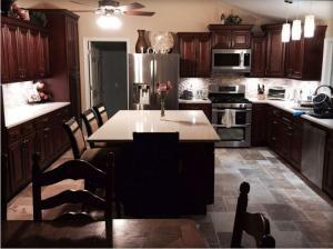 China Kitchen Cabinets Budget Kitchen Units on sale