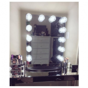 China Hollywood Makeup Mirrors Hottest Low Price Cheap Pocket Mirror on sale