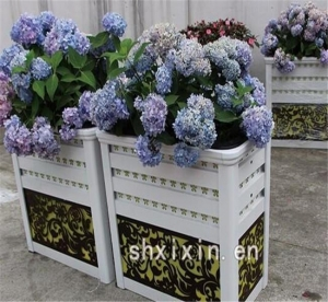 China Self Watering Flower Planters on sale