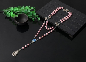 China beautiful design pink plastic rosary necklace on sale