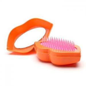 China 2018 Fashion High Quality Plastic Mini Folding Lip Shape Magic Detangling Tangle Hair Brush on sale
