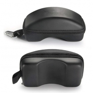 China Glasses Case Compact & Lightweight Travel Carrying Snowboard Goggles Bag Case on sale