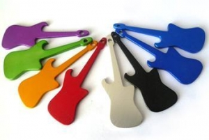 China Souvenirs Guitar Shaped Keychain on sale