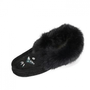 China Cheap sample warm and soft embroidery women sheepskin moccasin casual slipper shoes on sale