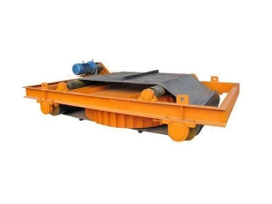 China RCDD Self-Cleaning Electric Magnetic Tramp iron Separator on sale